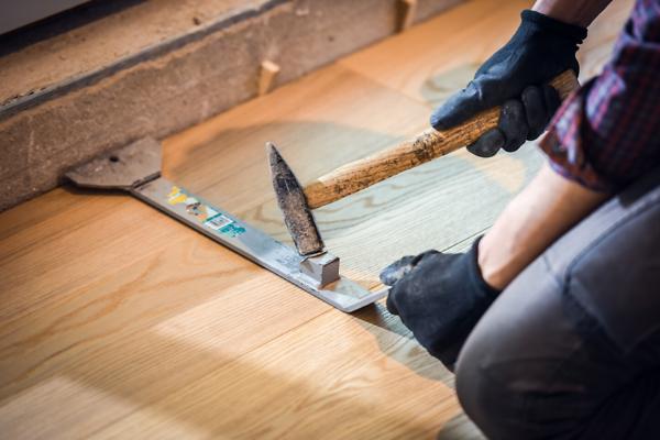 who installs hard wood floors best?