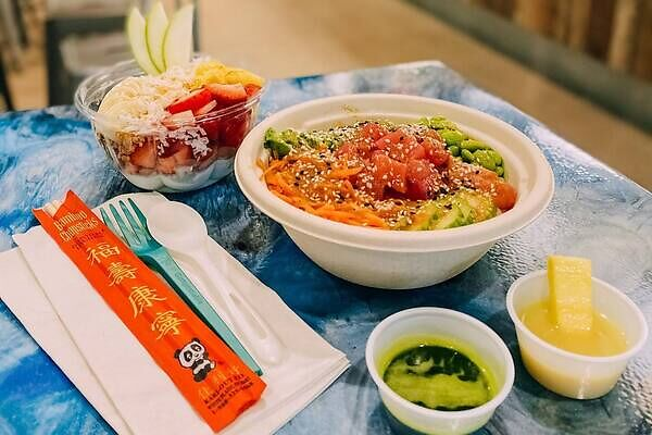 South Sea vibe specializing in poke bowls
